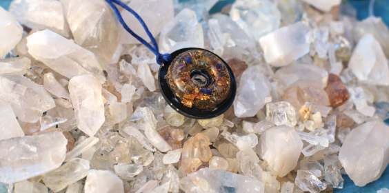 lightstones orgone pendant with shungite