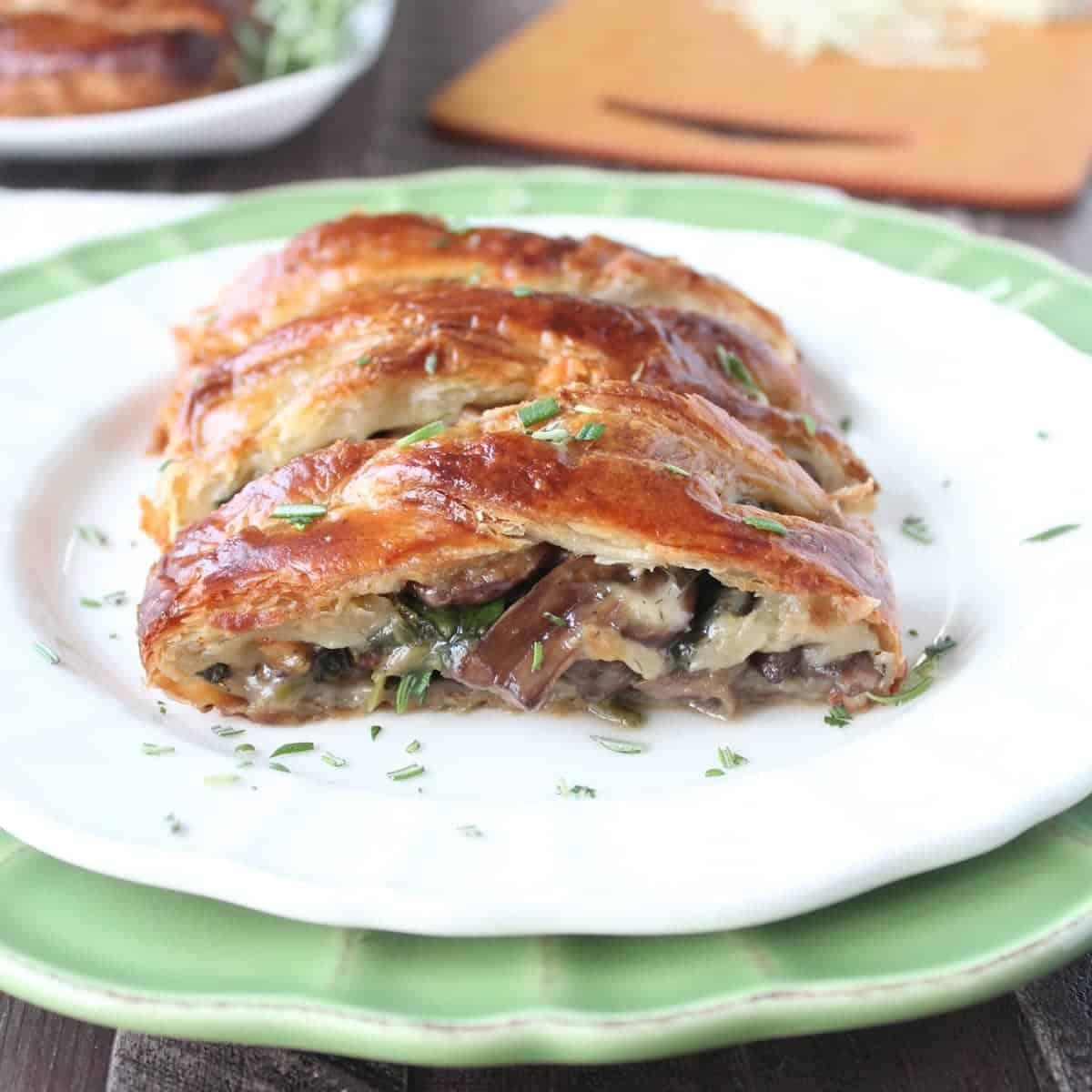 Easy Vegetarian Dinner Recipe: Cheesy Spinach Vegetable Bake forecast