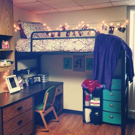 Dorm room ideas and must have essentials whitney j decor - Dorm room layout ideas ...