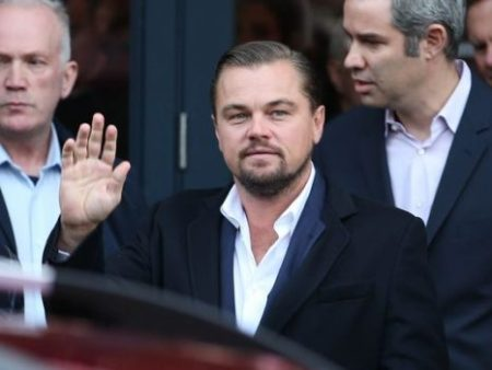 A crowd of fans waited hours to get glimpse of Leonardo DiCaprio who visited an Edinburgh restaurant that helps the homeless on Nov. 17, 2016. (Photo: Jane Barlow, AP)