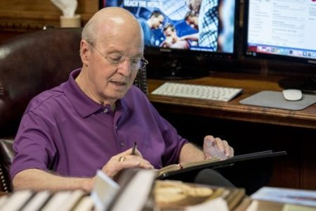 Jerry Vines, pastor emeritus of the First Baptist Church of Jacksonville, Fla., and preacher for more than 60 years, has enrolled in the Ph.D. program at Southwestern Baptist Theological Seminary.