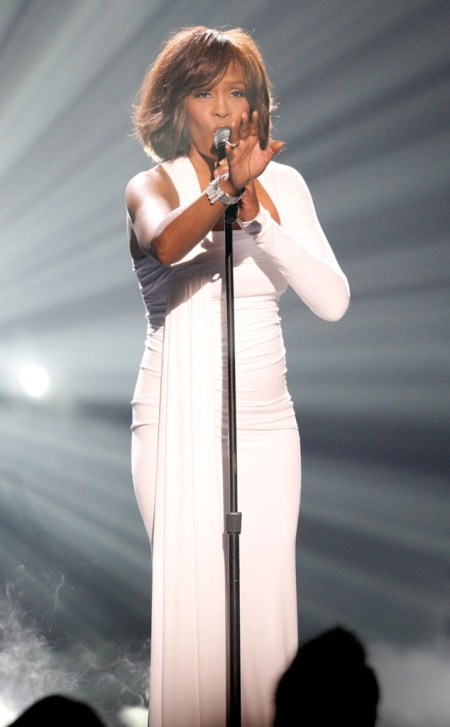 rs_634x1024-131122120521-634-whitney-houston-ama-2009