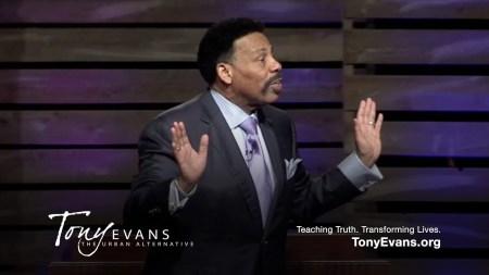 TonyEvans-preaching