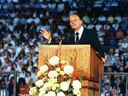 The Rev. Billy Graham is shown preaching to 24,000 people in Tacoma's New Dome Stadium on May 16, 1983, in Tacoma, Wash.(Photo: Dave Ekren, AP)
