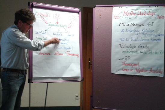 Ministerialrat Mag. Dangl beim Mathematik-Workshop