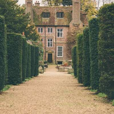 17th Century whispers in Groombridge Place Gardens