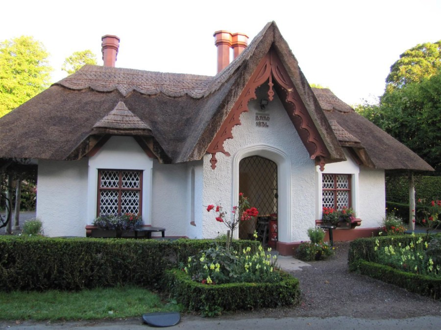 Thatched cob house in Ireland, built in 1834!