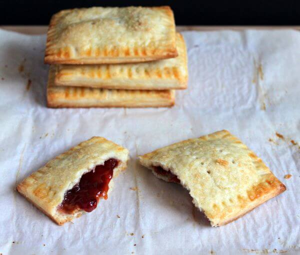 Homemade peanut butter and jelly pop tarts | wildwildwhisk.com