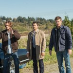 "Supernatural --""LOTUS""-- SN1208b_0100.jpg -- Pictured (L-R): Jared Padalecki as Sam, Misha Collins as Castiel and Jensen Ackles as Dean -- Photo: Diyah Pera/The CW -- © 2016 The CW Network, LLC. All Rights Reserved"