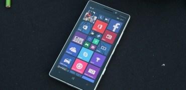 Nokia Lumia 930 front