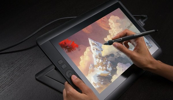 Deals des Tages: Wacom-Grafiktablet, USB C-Dock, 5.1 Surround-Soundsystem, Gaming-Tastatur & 4TB ext. Festplatte