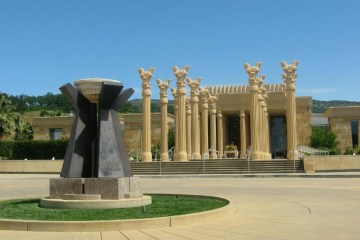 Darioush Winery Napa California - Napa's best winery experiences article by winegeographic.com