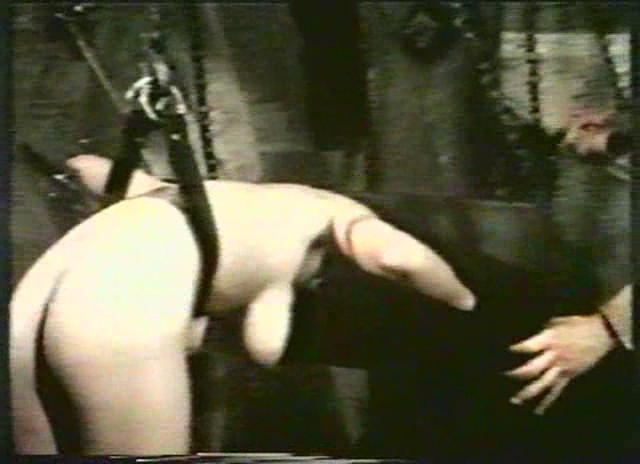 порно фильм у гестапо