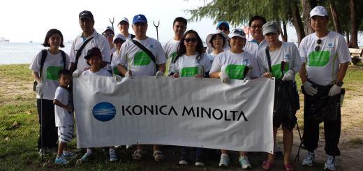 Konica Minolta Singapore Beach Cleanup Crew