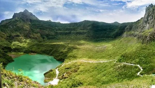 wisata gunung kelud danau kawah