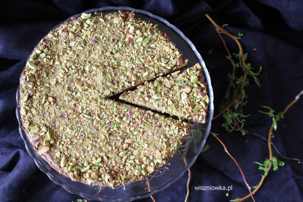 czekoladowy sernik z pistacjami