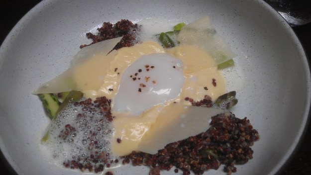 Egg with asparagus and quinoa