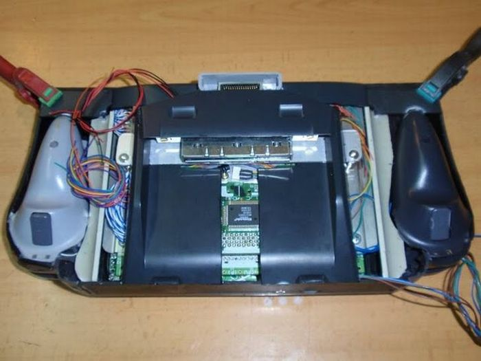 How this guy transform Nintendo 64 into A Handheld game console 39