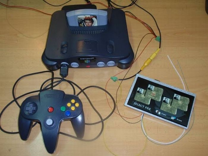 How this guy transform Nintendo 64 into A Handheld game console 7