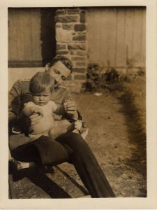 Wolfgang and his niece, Gisela, 1916