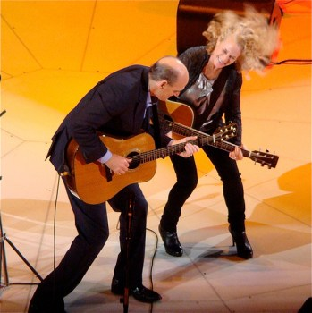 Carole King with James Taylor on the Troubadour Reunion Tour, image courtesy of Alyece Thompson