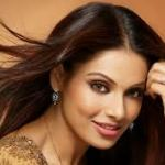 Bipasha Basu- Wallpapers