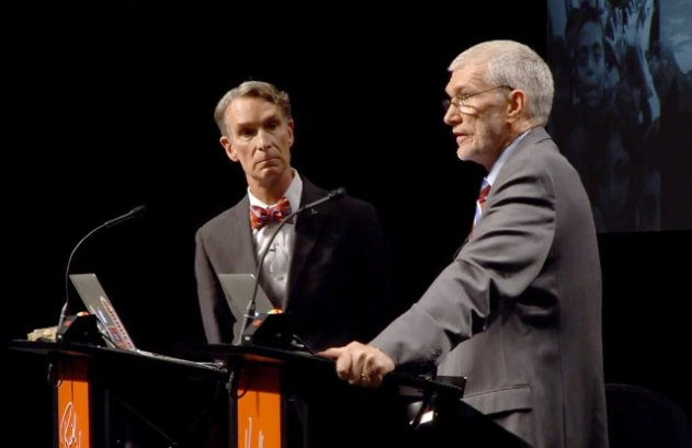 Bill Nye looks sideways at Ken Ham during their Debate (2/4/14)