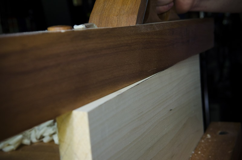 how_to_use_wooden_jointer_plane_DSC9023