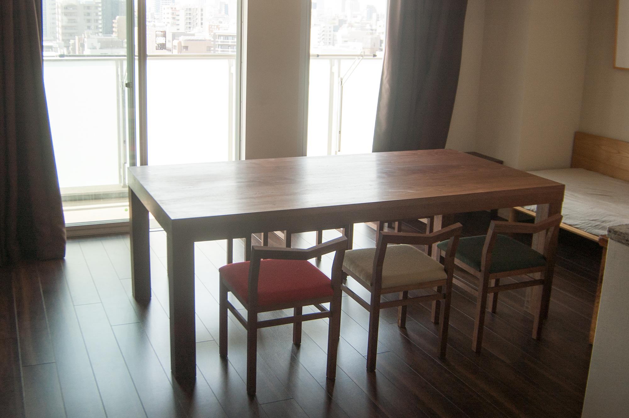 アッツテーブルとピコチェアを合わせたダイニングテーブルセット