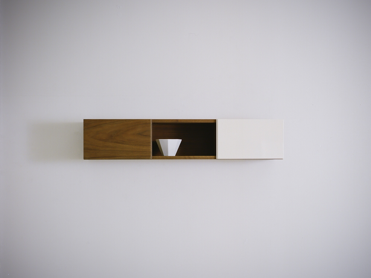 TONE WALL SHELF / walnut + white