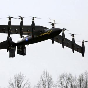 Ten-Engine Electric Plane Prototype first fly