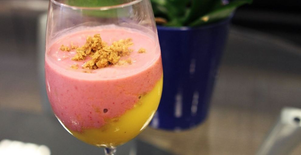 Fruit Smoothie with Granola