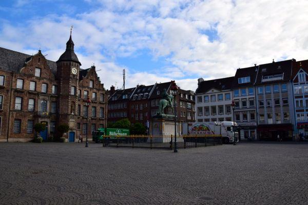Dusseldorf Marktplatz Square