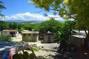 Haiti Road Scene Homes