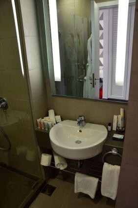 The Smallville Hotel Empire Suite Bathroom 1