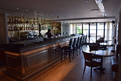 InterContinental Le Vendome Restaurant Long bar