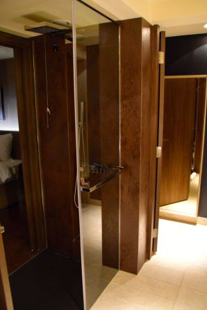 Kronwell Room Bath Shower