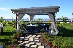 Courtyard Marriott Paramaribo Garden Seating