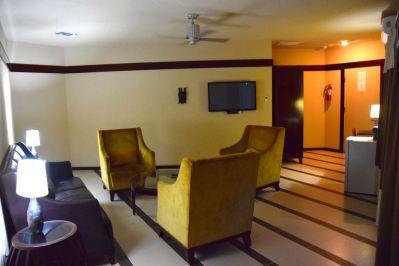 RLJ Kendeja Resort Room Seating