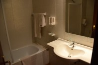 hotel-franco-bathroom