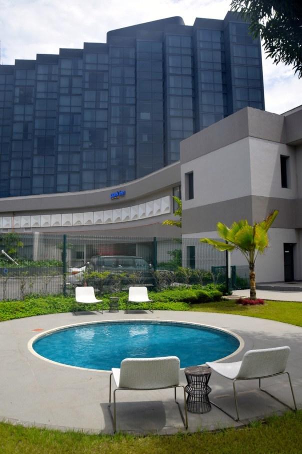 park-inn-libreville-pool-circular