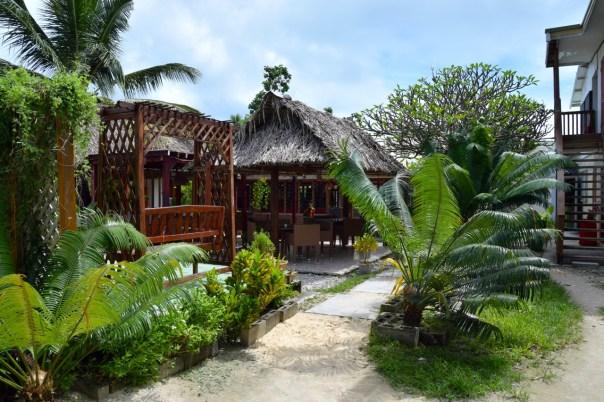 george-hotel-kiribati-garden