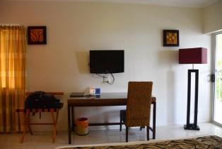 heritage-park-hotel-room-desk