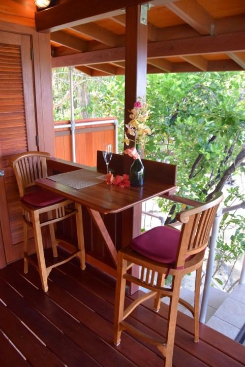 sunrise-beach-cabanas-dining-table