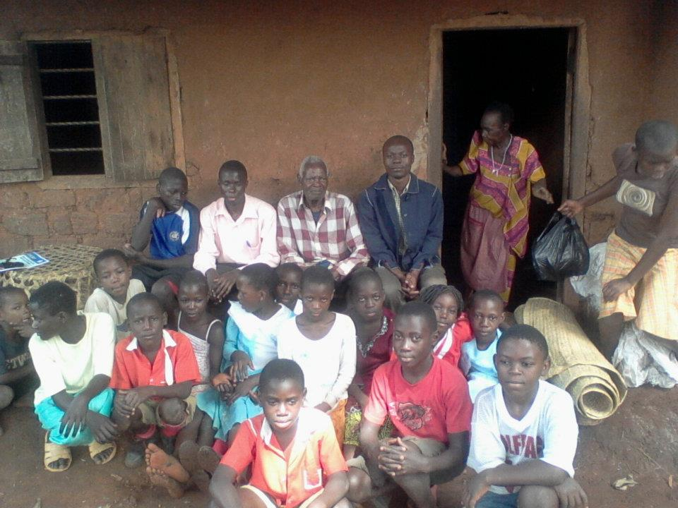 CESO DIRECTORS WITH CHILDREN ON THEIR VISIT TO THE ELDERLY