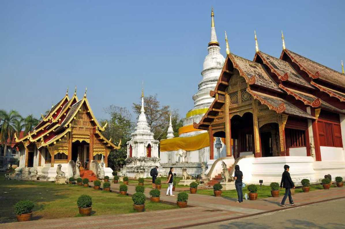 Wat Phra Sing, Chiang Mai - by Dennis Jarvis - archer10:Flickr