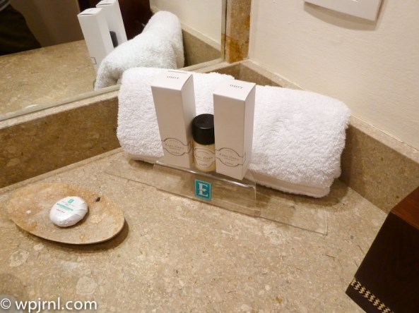 Embassy Suites by Hilton Bogota - Bathroom