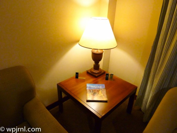 Embassy Suites by Hilton Bogota - Side Table