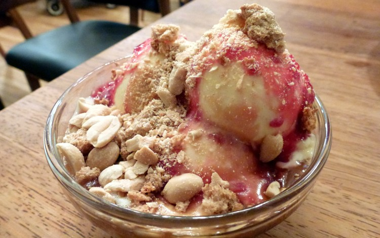 Peanut butter and jelly sundae at foxlow