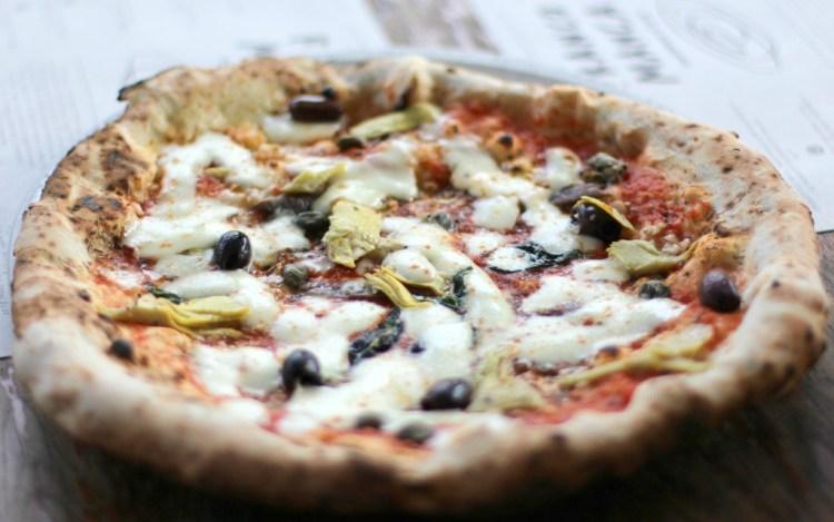 Tomato, garlic, oregano, capers, olives, anchovies, artichoke, mozzarella franco manca